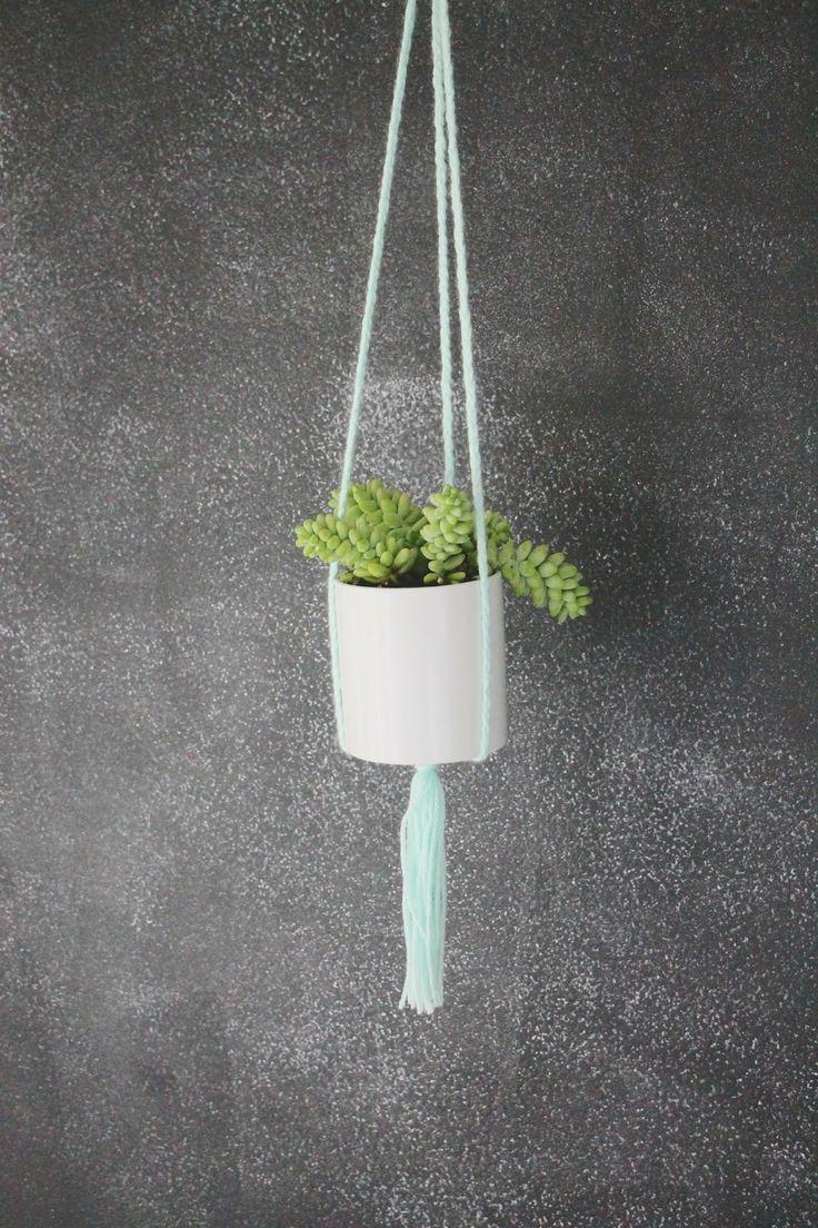 hanging plant holder home diy pinterest. Black Bedroom Furniture Sets. Home Design Ideas