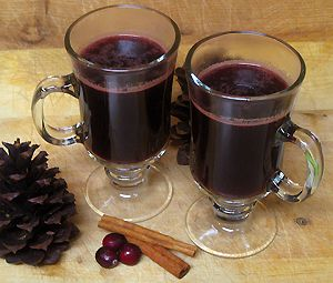 Honey Orange Mulled Wine--something to do this winter? @Isabel Thomas