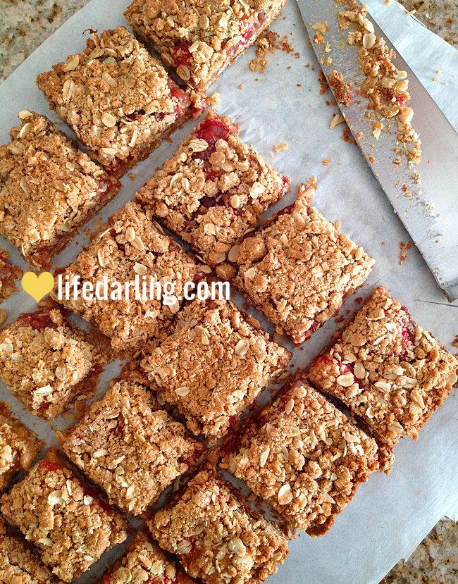 Raspberry Oatmeal Cookie Bars. Just needs some cinnamon added to the ...
