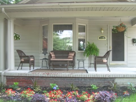 1920s bungalow front porch sweet backyards pinterest for Decorating 1920s bungalow
