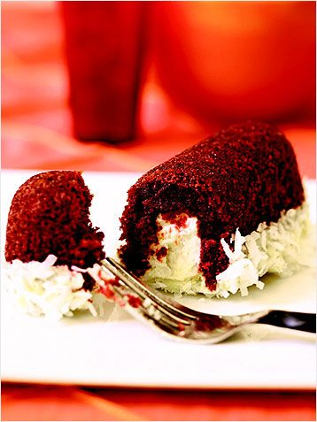 Red Velvet Twinkies... PERFECTION. http://www.ivillage.com/22-mouth ...