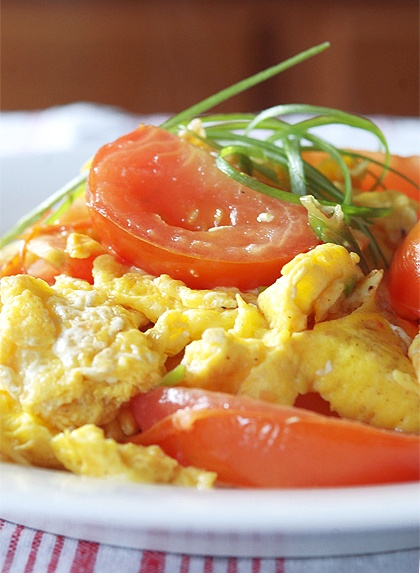 Chinese Stir-fried Eggs And Tomatoes Recipe — Dishmaps