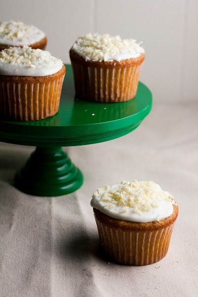 Hummingbird High: White Chocolate, Honey, and Chamomile Cupcakes ...