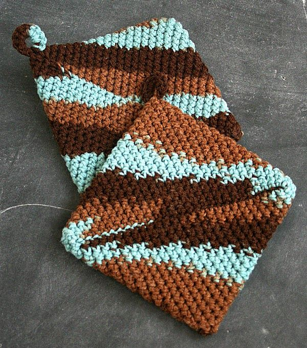 Crochet Patterns Hot Pads : 7Alive all Livin in a Double Wide: Easy Crocheted Hot Pads {DIY ...