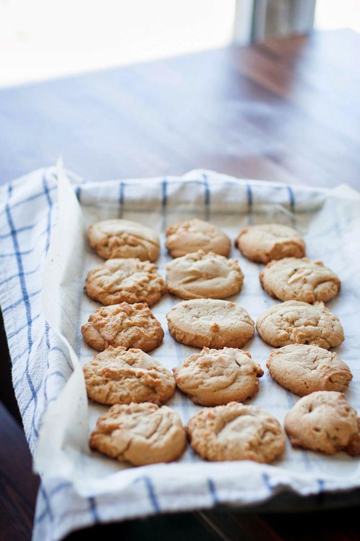 Buttered Up: Peanut Butter Sandies | desserts - a great assortment of ...