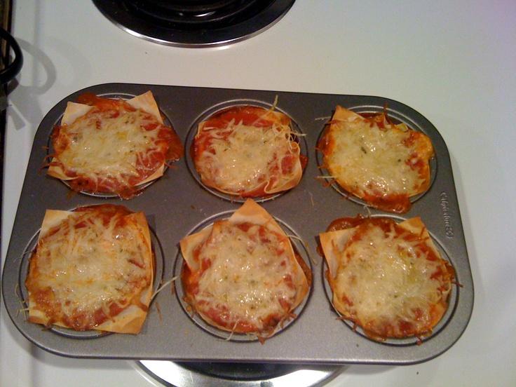 Lasagna Cupcakes (I wonder what this would be like using lasagna ...