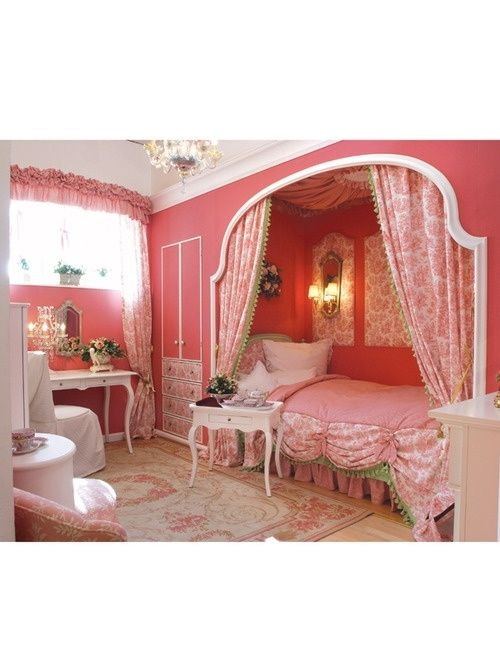 Kids Princess Room : Bed in the closet. Awesome in a small room (aka more room for toys)