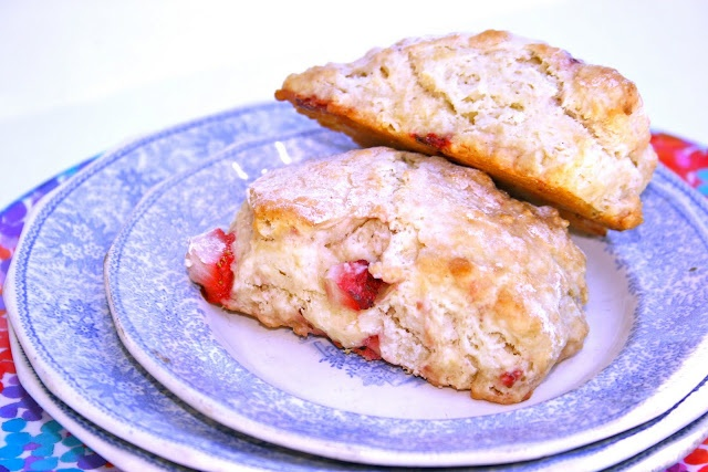 Fresh Strawberry Scones | Fresh out the Kitchen | Pinterest