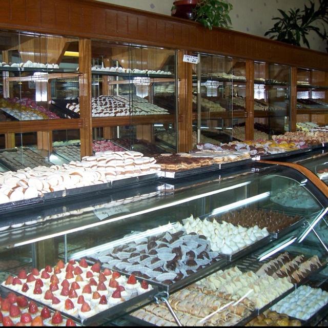 Unbelievable Bakeries! | My beautiful Argentina | Pinterest