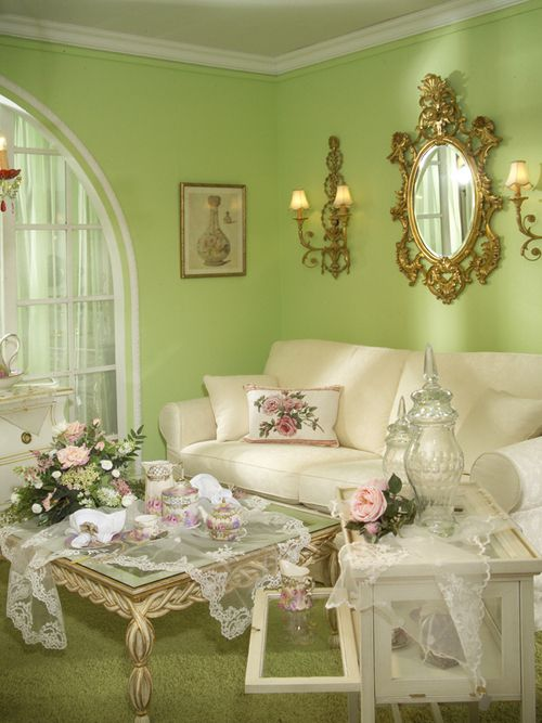 welcoming living room, formal, elegant, with touches of shabby chic