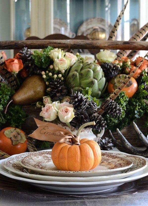gorgeous thanksgiving table decor fruits cenertpieces flowers cones