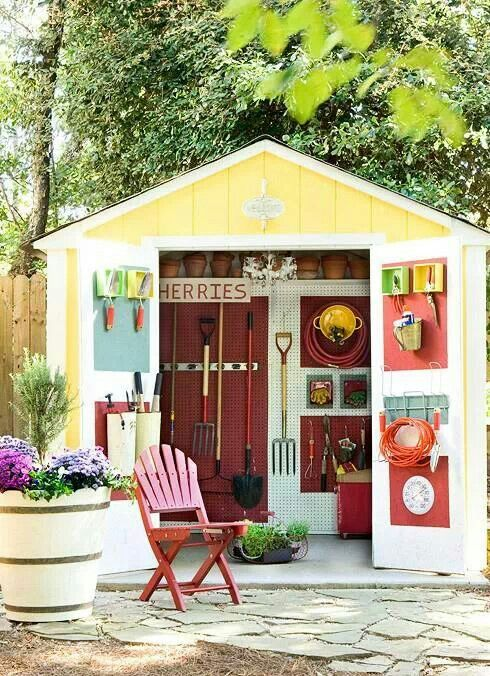 Cute Backyard Sheds : Cute bright garden shed  Love gorgeous old sheds  Pinterest