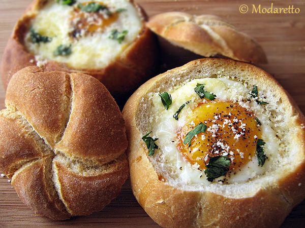 Baked eggs in bread rolls - what a great brunch idea!