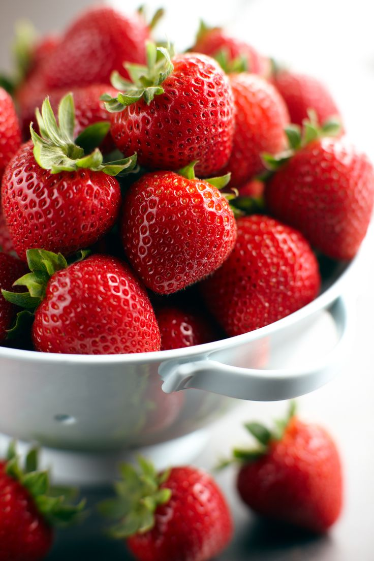 How To Store Strawberries-  simply store strawberries or any delicate berry by spreading them out on a dinner plate lined with paper towels, which absorb any excess moisture. The plate goes into the refrigerator and now you have smush-free berries and ready! (Great tip from Cooks Illustrated)