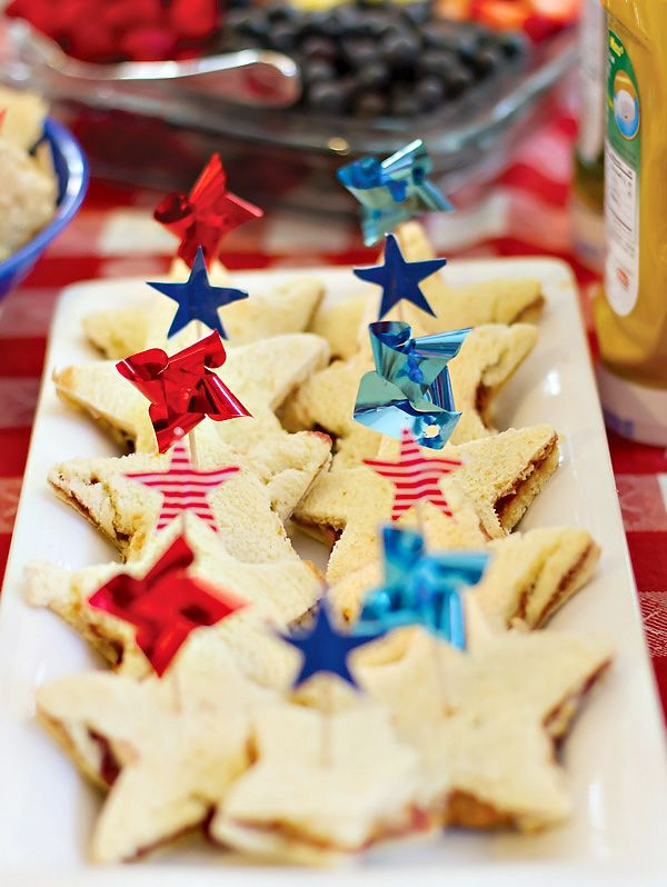 star spangled sandwiches with mini pinwheel toppers
