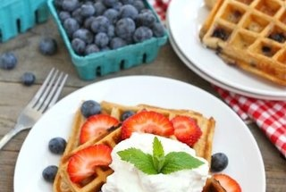 Blueberry Yogurt Waffles | I can't cook...but I'm trying | Pinterest