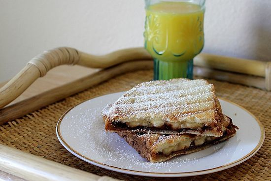 Grilled banana and Nutella sandwich | food | Pinterest