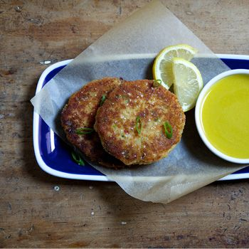 Crab and Shrimp Cakes with Lemon Aioli | Sounds Yummy | Pinterest