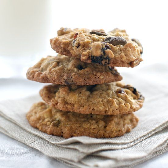 White Chocolate Oatmeal Cookies with Cherries + Pistachio.
