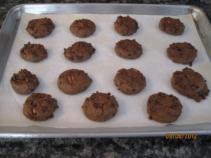 We Heart Buckwheat Chippers. Awesome healthier chocolate chip cookies ...