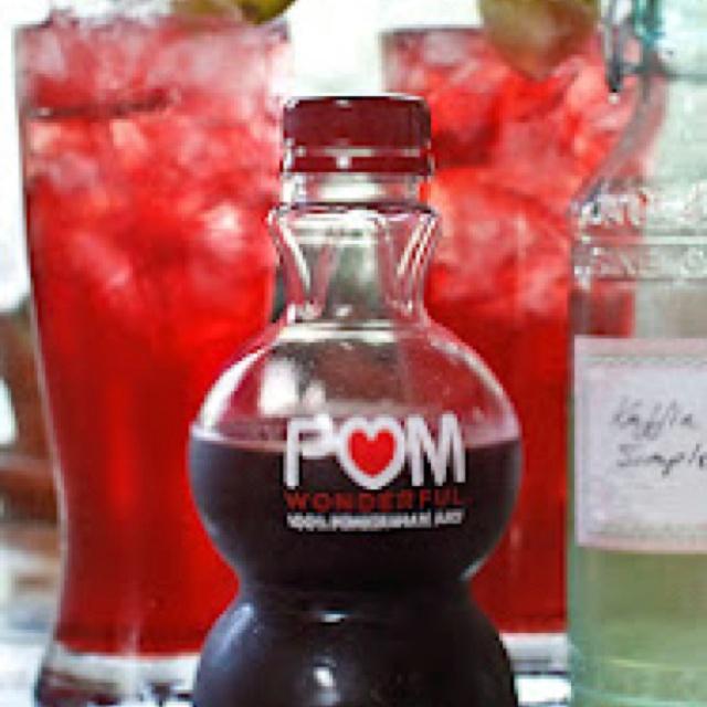 Pom kaffir lime cocktail | Yummies | Pinterest