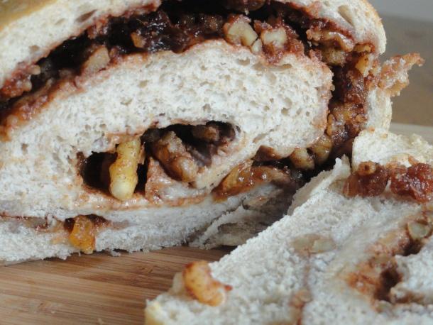 homemade cinnamon raisin walnut bread | nom noms | Pinterest