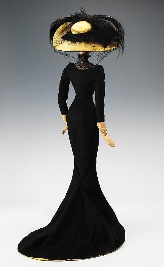 1906 Кукла Эльза Скиапарелли (металлические, штукатурка, волос, шерсть, шелк, кожа, стразы, искусственный жемчуг, перья), 1949.  ММА
