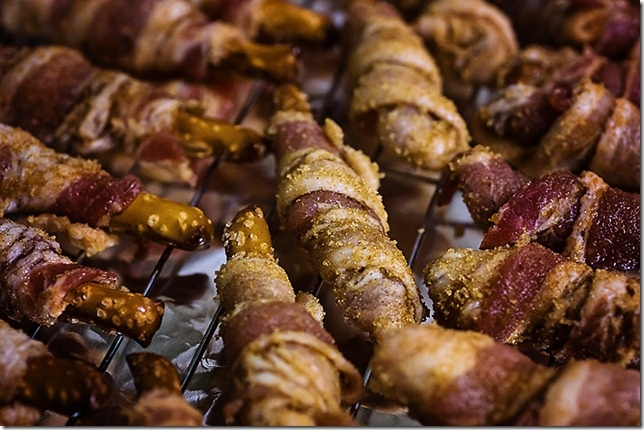 Bacon wrapped pretzels http://www.atozeclectic.com/2012/11/buggy-bacon ...