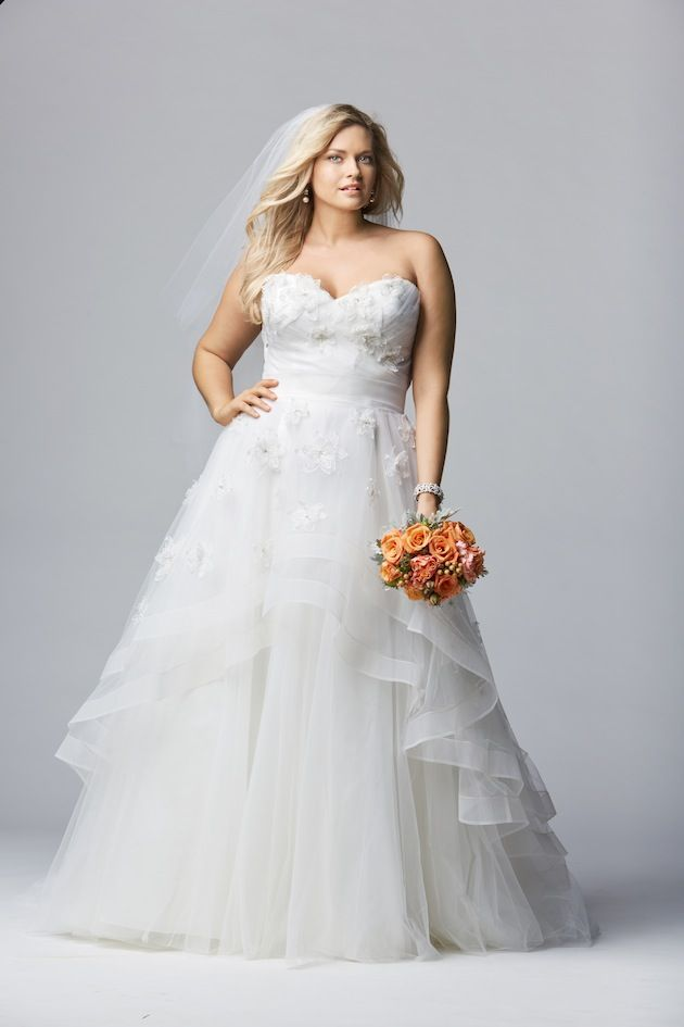 Top 10 plus size wedding dress designers by pretty pear bride for Famous wedding dress designers