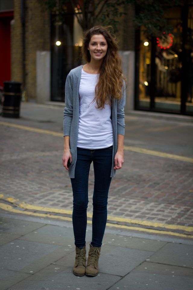 long grey cardigan, dark skinny jeans, plain white t-shirt, boots