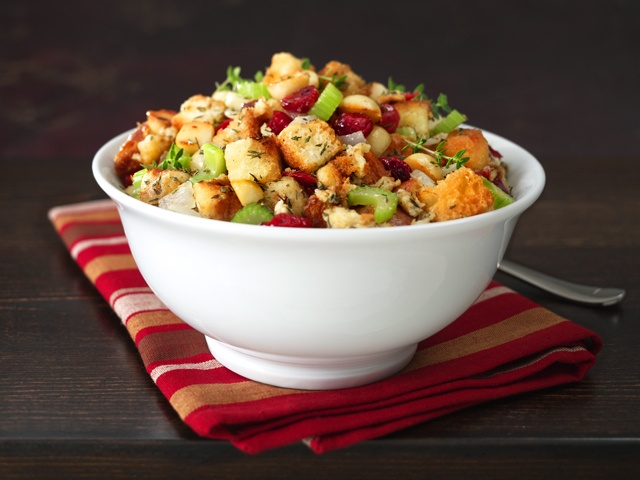 Cranberry Macadamia Nut Stuffing and add bacon | Yummy Things ...