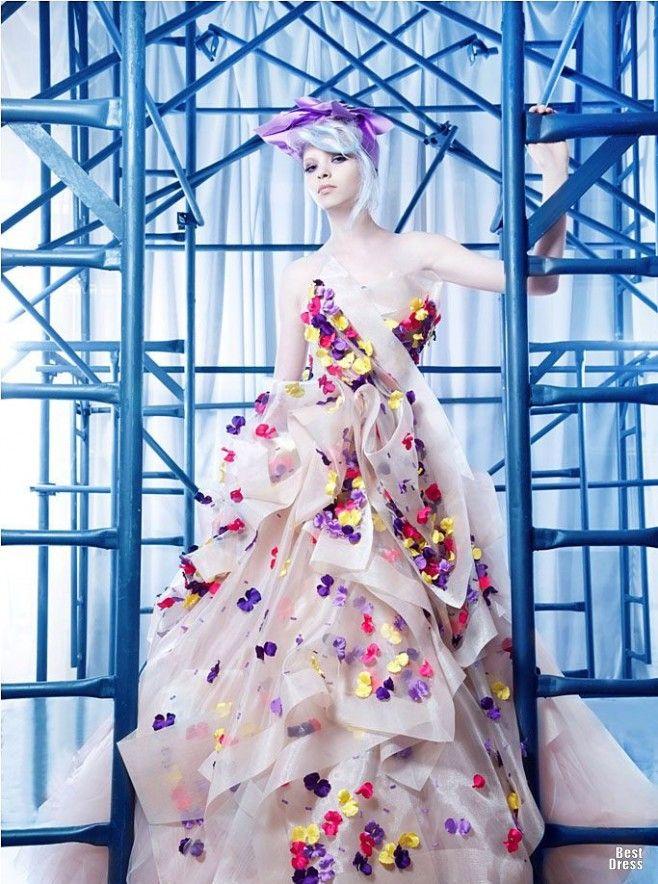 Nicolas Jebran Haute Couture @}-,-;--