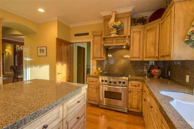 Kitchen Sink Cabinets Paint Color Is Sherwin Williams Blonde