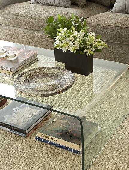 Detalhe Decoração - Por Dado Castello Branco - Living / Mesa de Centro / Livros / Flores