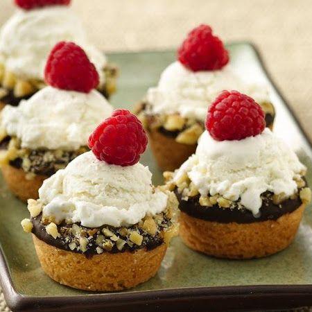 Mini Ice Cream Cookie Cups | food | Pinterest