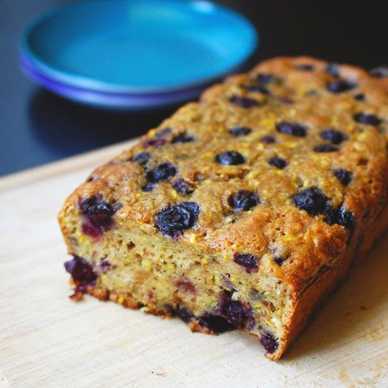 Eva Bakes - There's always room for dessert!: Blueberry zucchini bread