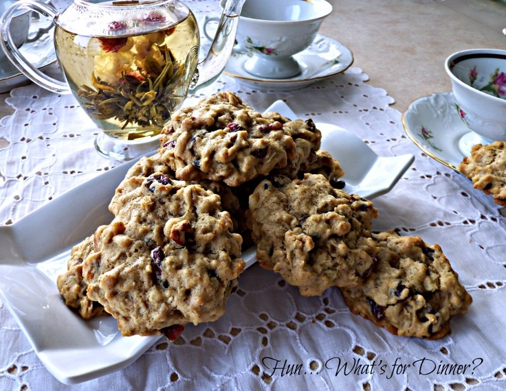 Gingerbread Oatmeal Cookies with Cranberries and Walnuts by ...
