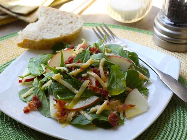 Spicy Arugula, Cheddar & Apple Salad (perfect fall or winter salad)