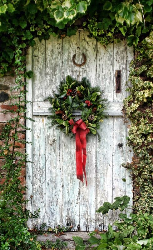 Christmas door garland 2010 christmas doors pinterest for Door garland christmas