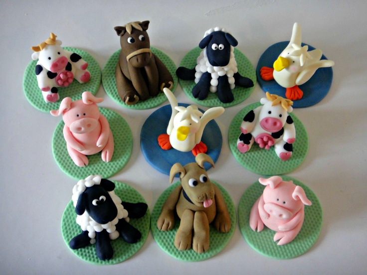 Edible Art of the Day Winner for Sunday May 6, 2012 is Gaynor Clark    Phoebe's Farmyard. Phoebe had a mini farm coming to her 2nd Birthday Party, so we made a few cupcakes to fit the theme.