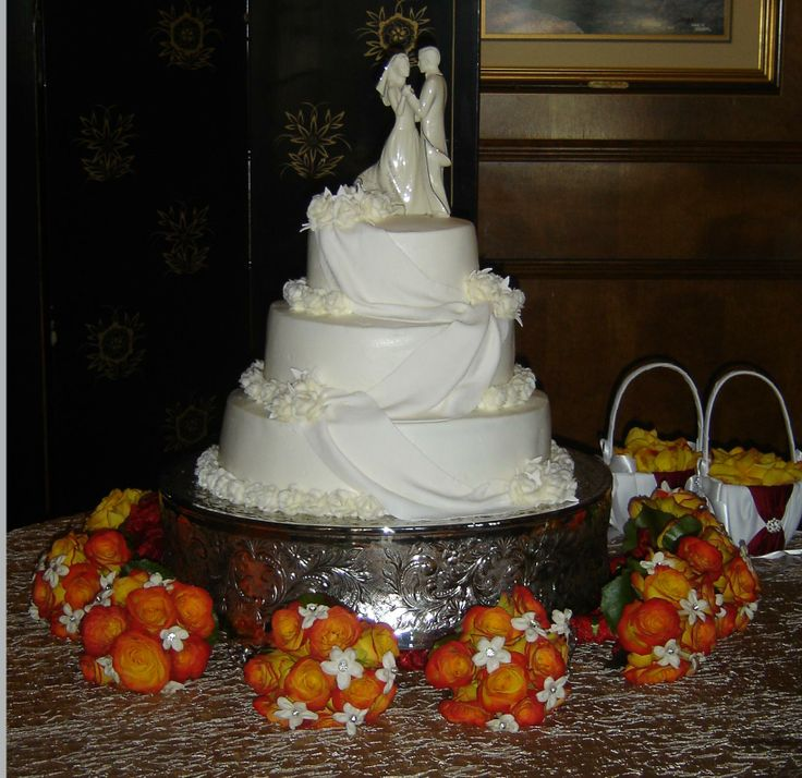 Buttercream Amp Fondant Wedding Cake