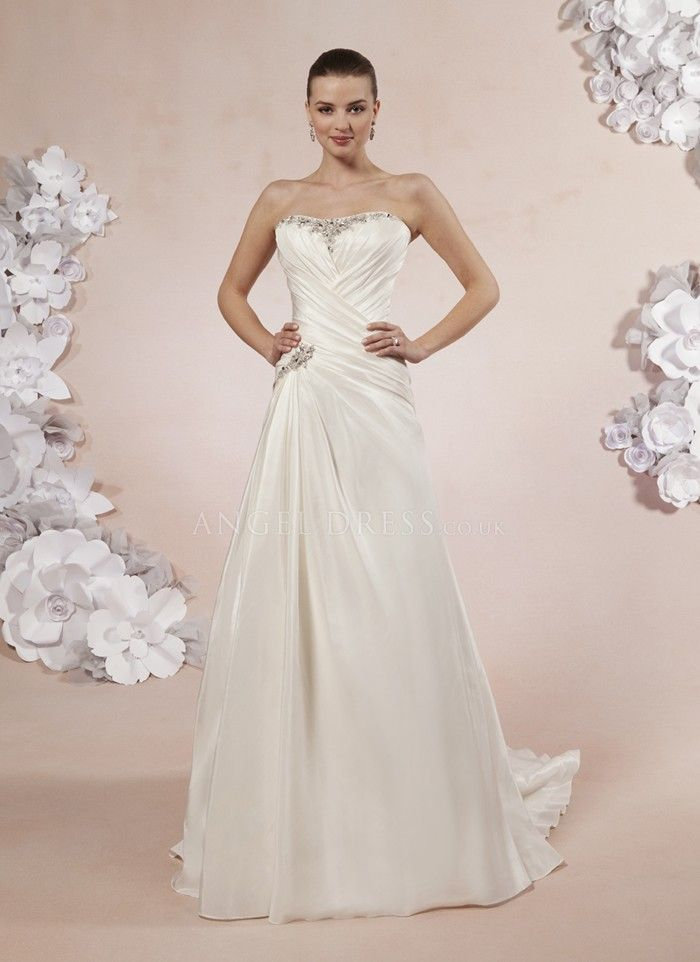 Zenobia Wedding Dresses 29