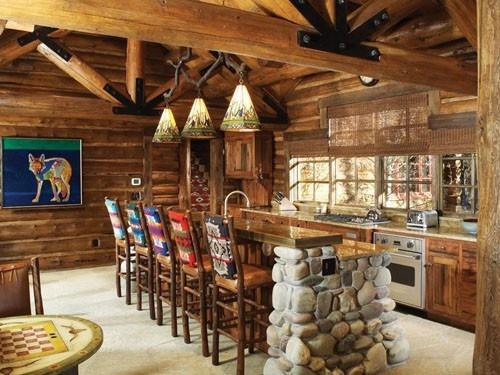 Drewniana kuchnia z jadalnia