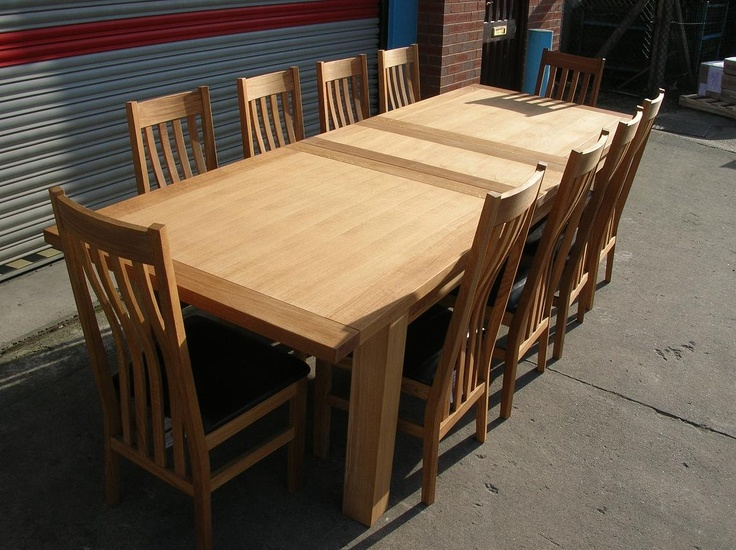 dinning room table the legs do not move when you extend the table