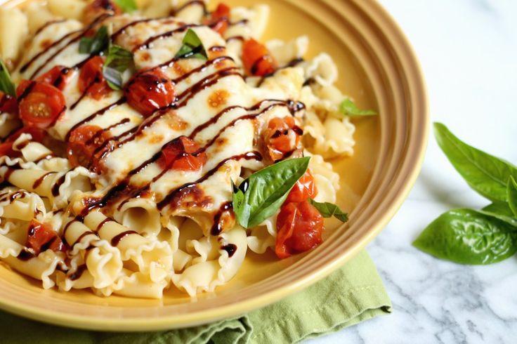 Balsamic Caprese Chicken! #recipe #balsamic #caprese #pasta