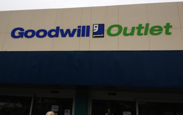 Ocala FL Goodwill Outlet store!