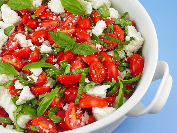 Tomato Salad with Farmer's Cheese | Recipes Salads | Pinterest