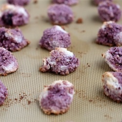 Blackberry (or Raspberry) Coconut Macaroons are delicious little ...