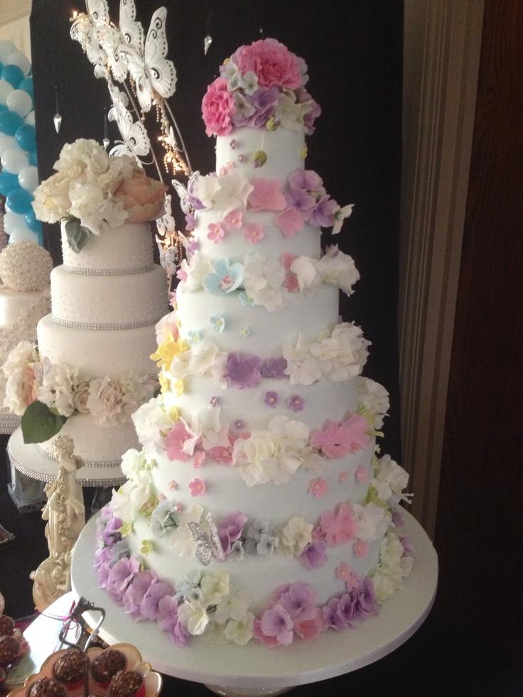 gâteau de marriage fleuri / wedding cake with flowers