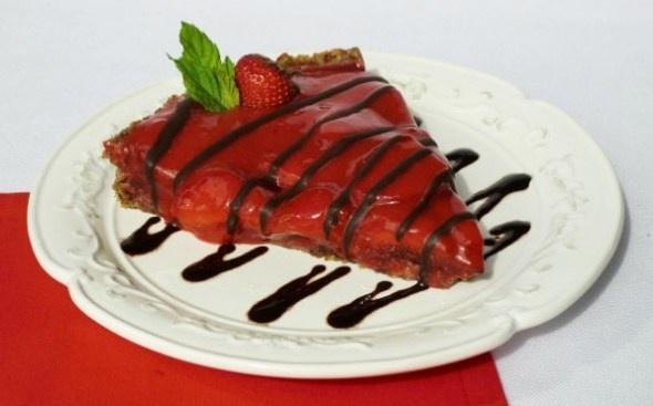 Raw Chocolate Strawberry Tart. | YUM :p | Pinterest